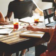 Ser más sociables en el trabajo